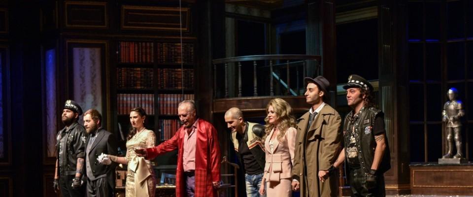 Yabancı öğrenciler Türkçe tiyatro oyunu izledi