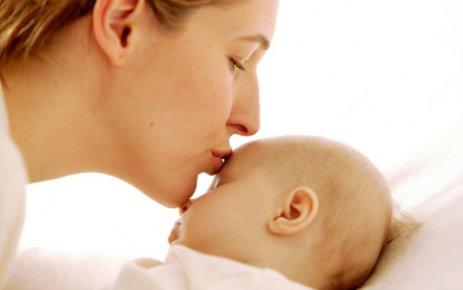 Bebeğinizi Mama ile Beslemeyin