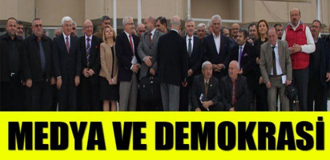 Medya ve Demokrasi Konulu Seminer Yapıldı