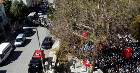 ŞEHİT POLİS TOPRAĞA VERİLDİ