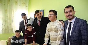 Kaymakam Pektaş, down sendromlu çocukları ziyaret etti