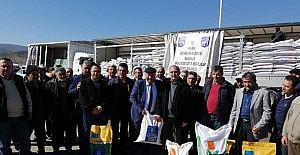 Nallıhan'da çiftçilere yem bitkisi tohumu dağıtıldı