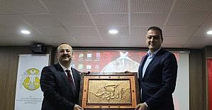 """Yunak'ta """"Çanakkale'den 15 Temmuz'a Milli İrade"""" konferansı"""