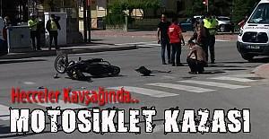 Araba Motosiklete Çaptı 2 yaralı..
