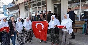 Mihalgazi esnafına Türk bayrağı dağıtıldı