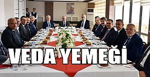 Vali Sayın Fahri Meral'den İl Müdürü Mevlüt Kuntoğlu'na Veda Yemeği